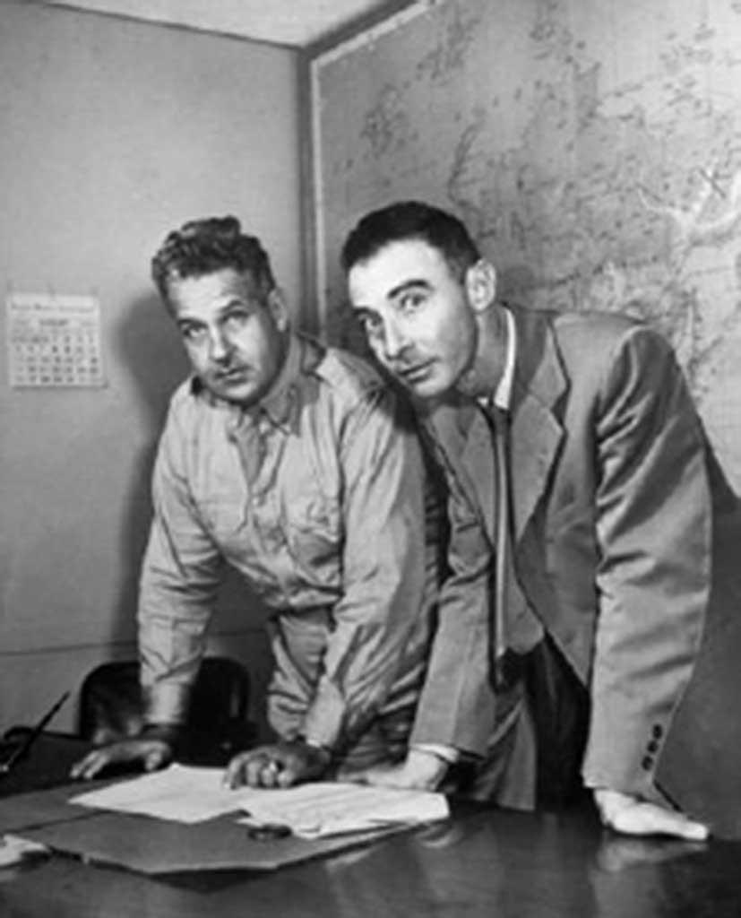 Fig. 1. Leslie Groves og Robert Oppenheimer.